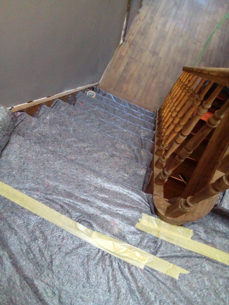 Rénovation d'un escalier en bois et du plancher