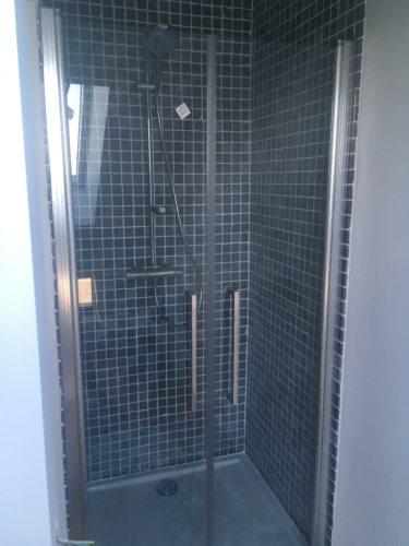 Carrelage dans une douche