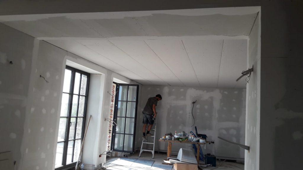 Mise en place d'un faux plafond